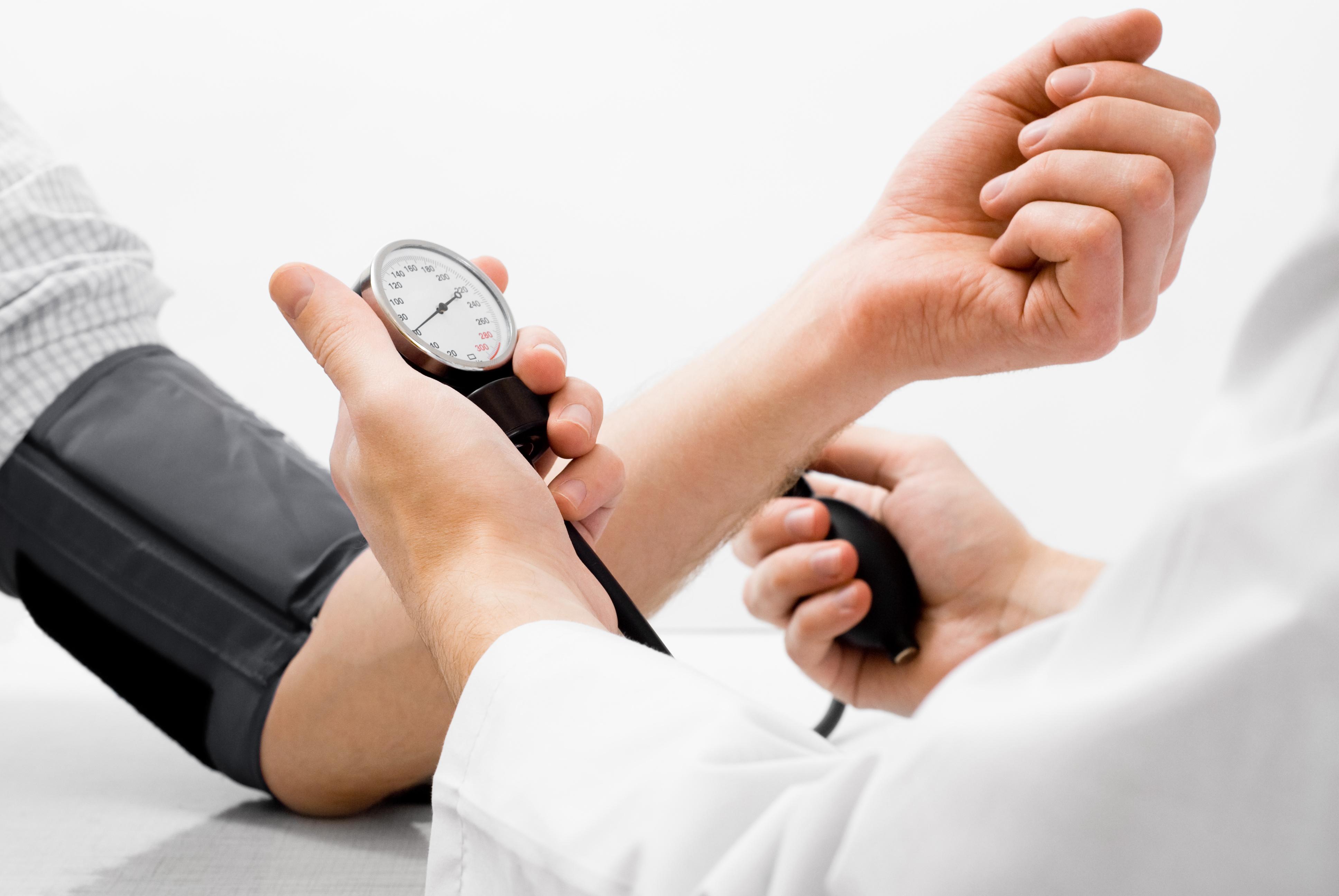 blood-pressure-measuring